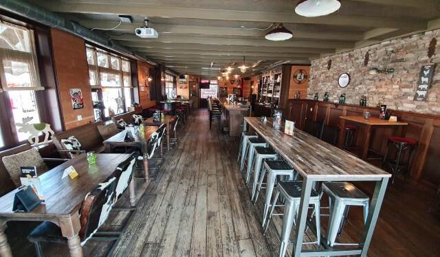 20200813 Stav Posth ovz café ri uitg hoge tafel 640 _125833