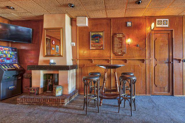 20200930 St Annap Bildt A3 640 café schouw 8508932