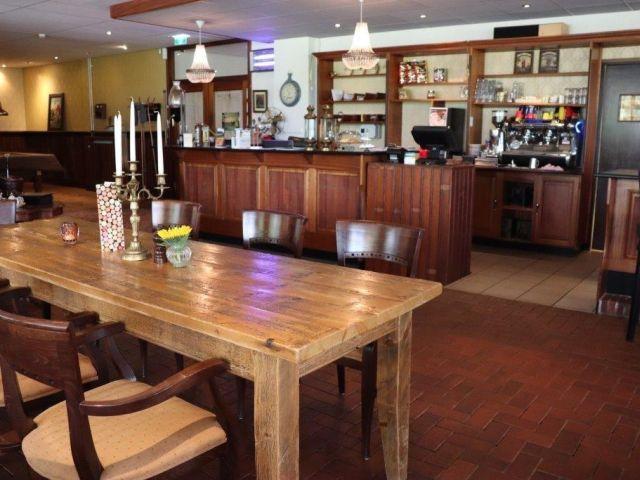 20210421 Tiend Martenspl AGr ovz stamtafel-bar 640